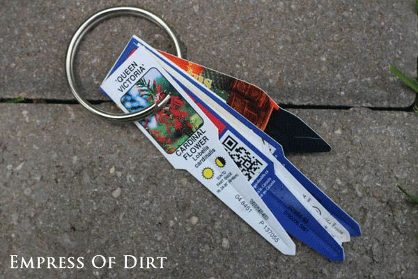 17 Clever Hacks for Your Vegetable Garden - PLant Label Keyring