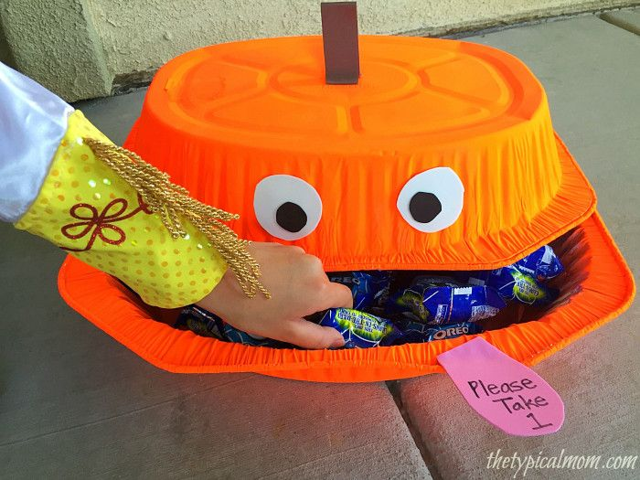 diy dollar store halloween decorations you can make at home by repurposing items make a