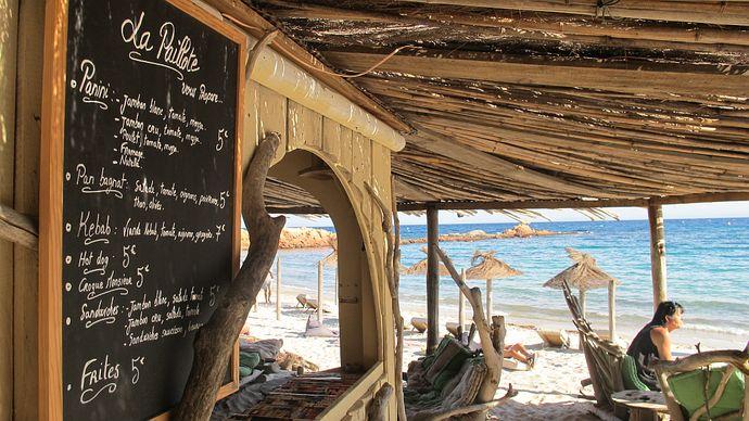 Paillotes en Corse