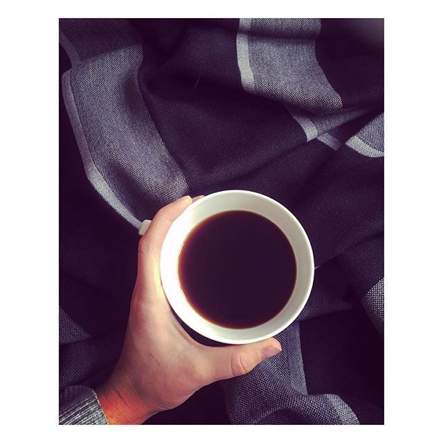 We ❤️ Coffee  and this beautiful plaid from www.tobeliving.eu