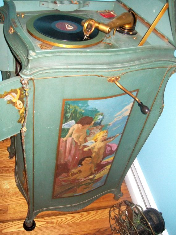 Elaborate art case Victor Victrola Hand by DesignStudioNYC on Etsy, $650.00 - 103 Best Antique Phonographs Images On Pinterest Architecture