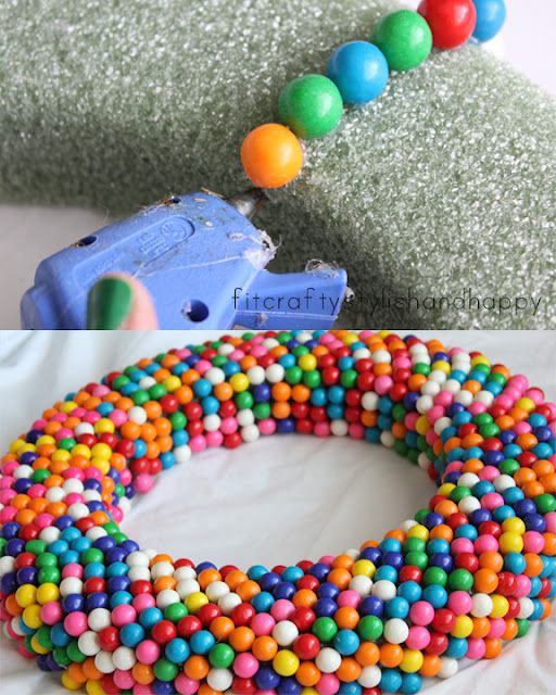 DIY:  Gum Ball Wreath For A Birthday.  This could be used for any holiday - jelly beans for Easter, candy corn for Halloween.