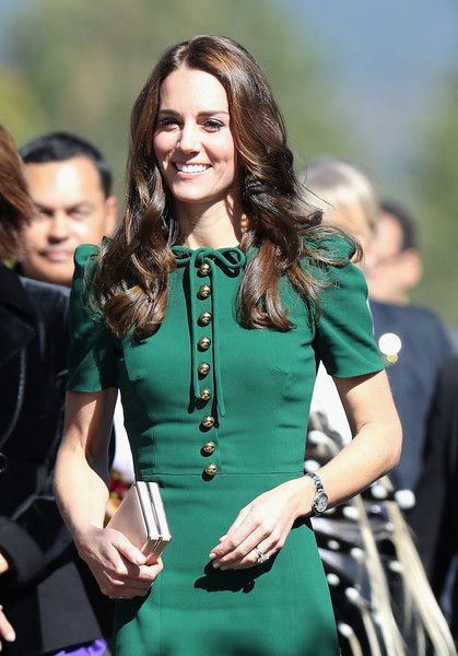 Kate Middleton Photos Photos - Catherine, Duchess of Cambridge visits Kelowna University during the Royal Tour of Canada on September 27, 2016 in Kelowna, Canada. Prince William, Duke of Cambridge, Catherine, Duchess of Cambridge, Prince George and Princess Charlotte are visiting Canada as part of an eight day visit to the country taking in areas such as Bella Bella, Whitehorse and Kelowna - 2016 Royal Tour to Canada of the Duke and Duchess of Cambridge - Kelowna, British Columbia And…