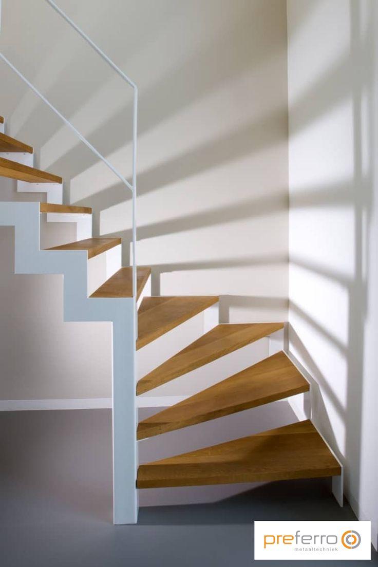 25 beste idee n over moderne trap op pinterest trappen for Trap met kwartdraai