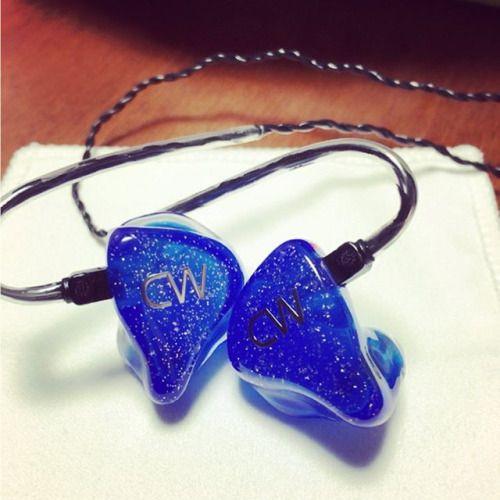 思ってたより早く届いた #e_earphone #earphones #canalworks #カナルワークス #イヤモニ #カスタムIEM #eイヤホン # #blue #silver #地下鉄 #新幹線 #も #へっちゃら via Earphones on Instagram - Best Sound Quality Audiophile Headphones and High-Fidelity Premium Earbuds for Hi-Fi Music Lovers by AudiophileCans