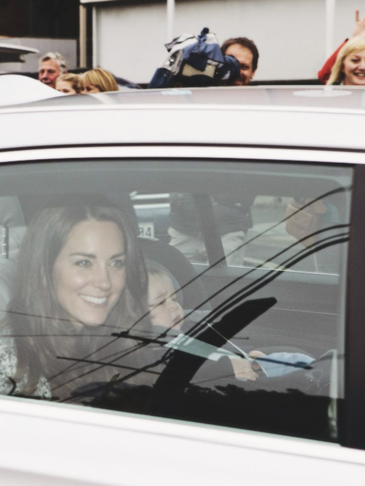 Kate and Prince George visiting Santa 12/20/14