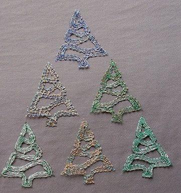 Quelques sapins pour la déco de Noël en dentelle aux fuseaux