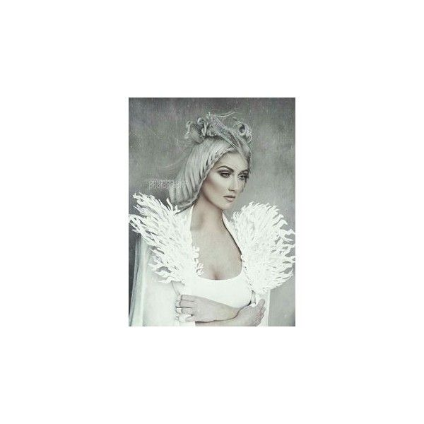 Snow queen costume ❤ liked on Polyvore featuring costumes, carnival costumes, green halloween costumes, snow queen halloween costume, snow queen costume and green costumes