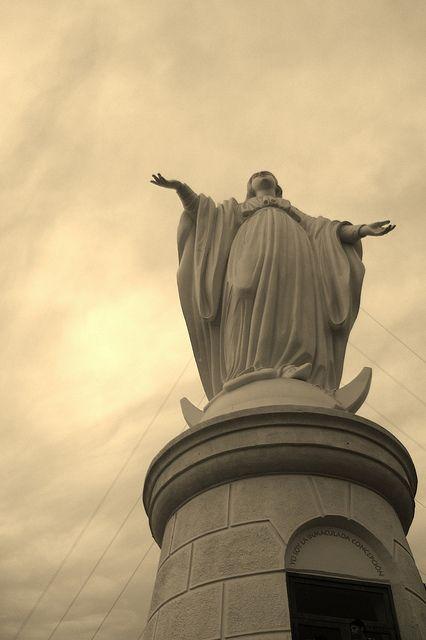 Cerro San Cristobal, La Virgen