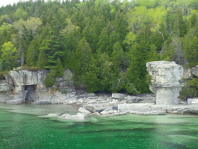 Flowerpots en Flowerpot Island. Lago Hurón, Ontario, Canadá.   por urru_urru