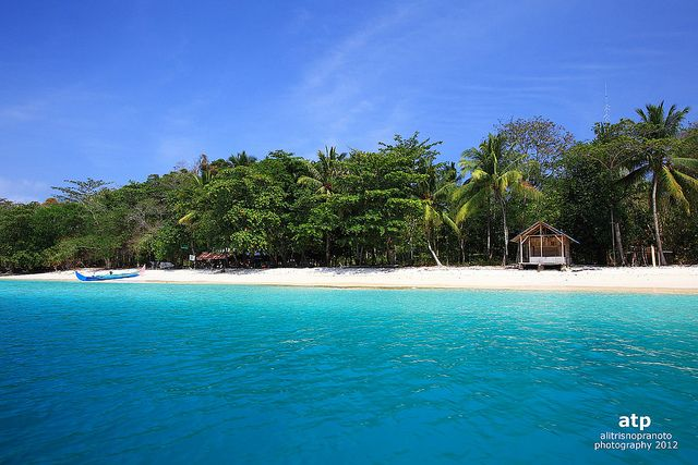 Teluk Kiluan, Lampung, Indonesia.