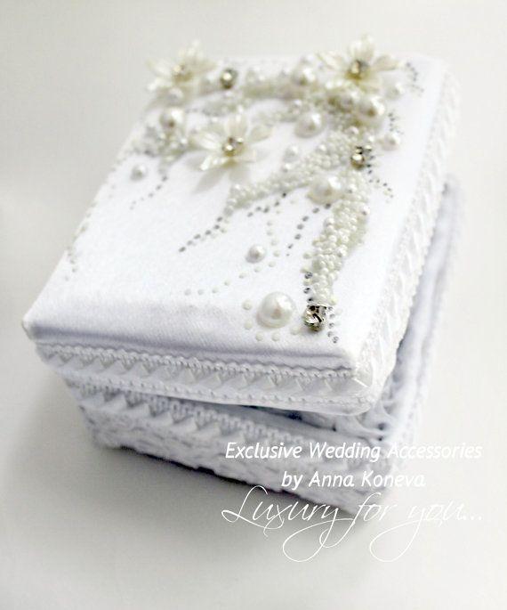 Обручальное кольцо подушки Обручальное кольцо предъявителя JewelryBouquet Кольца от