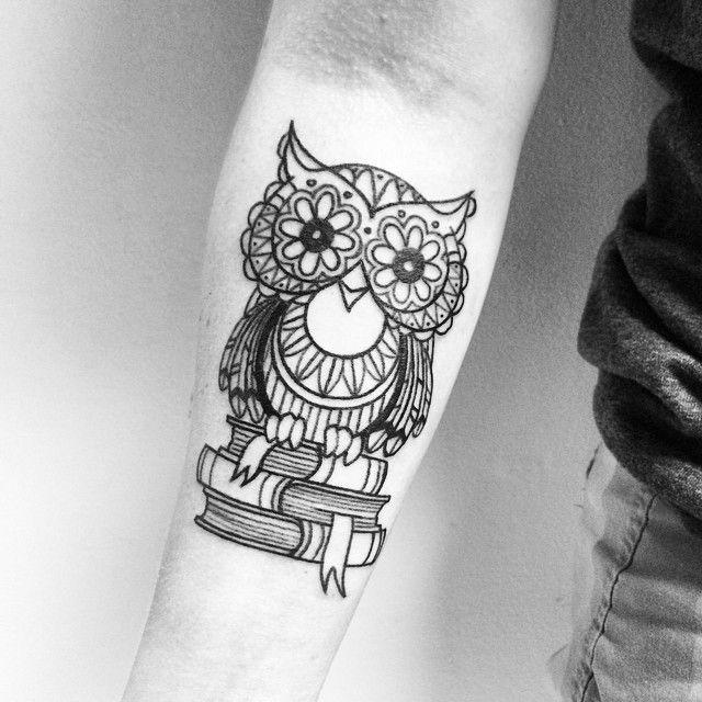 ✖️lil hooter from yesterday✖️#tattoo #tattoos #buffalo #716 #divinemachine #hooter #owl #owltattoo #blackwork #lines #waverly #darkblack #books #berks #lilowl #nightwatch #cute