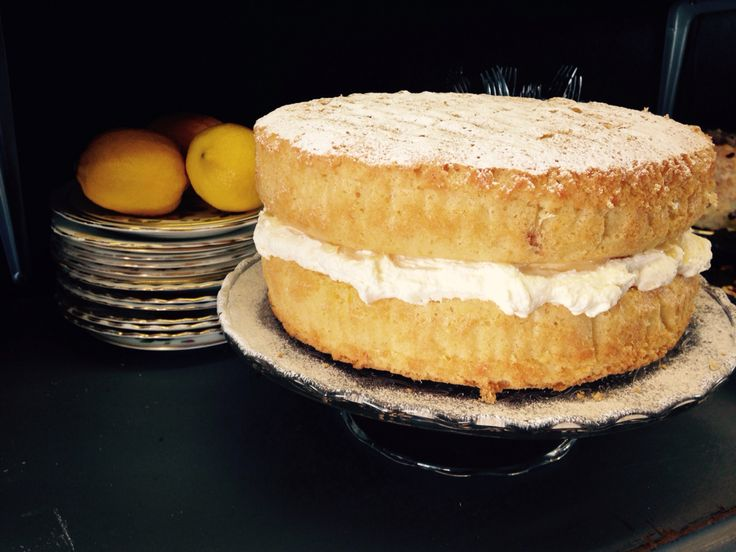 Lemon Maderia #cake The Pink Cabbage