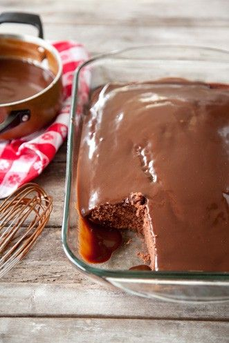 chocolate cake with sauce in bottom jpg 1152x768