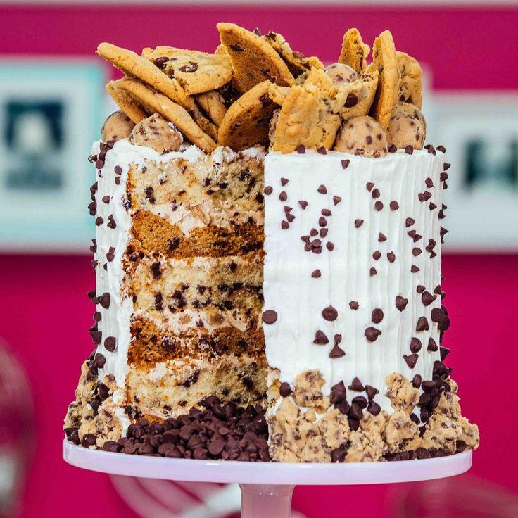 muss Schokoladenkekskuchen probieren; extrem reichhaltiger und feuchter hellbrauner Zucker …   – – layered chip cakes –