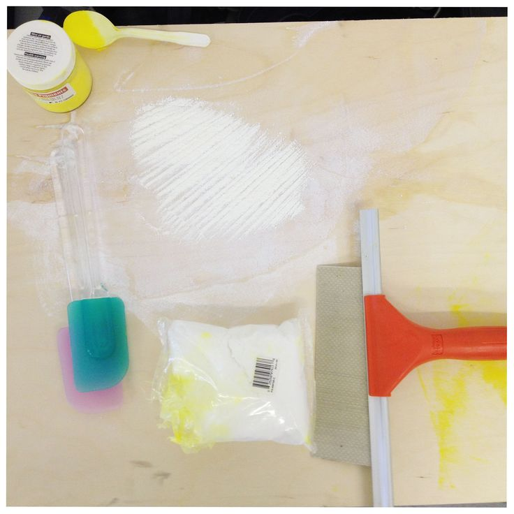 We're playing with yellow pigment powder to create epoxy-coated surfaces that will be used for our food nights and exhibition starting in October. Stay tuned.