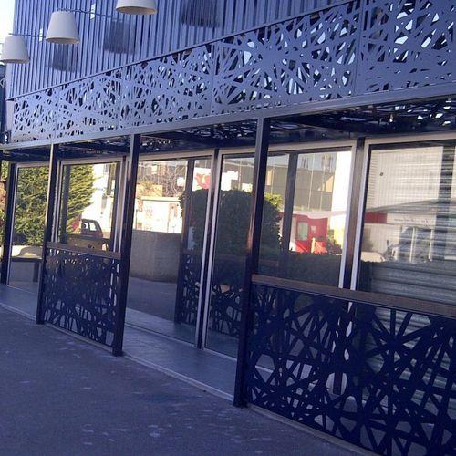 Защита от солнца из металла / для фасада SHOP RVB LIGHTING - MONTPELLIER FRANCE RESILLE