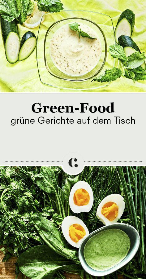 Unsere liebsten Green-Food-Gerichte! Wir bringen die Farbe Grün mit unseren Rezepten für grüne Gerichte auf den Tisch! Zucchini-Zitronen-Suppe mit Melisse, Brokkoli-Cashew-Suppe, Grüne Soße, Bärlauchsuppe, Perlgraupenrisotto mit Wirsing und Champignons, Basilikum Pesto, Ricotta-Spinatknödel im Kräutermantel und Frischkäse-Dessert mit Matcha und Olivencrunch. Unbedingt probieren!