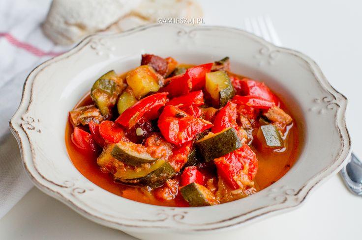 Hungarian pepper zucchini stew