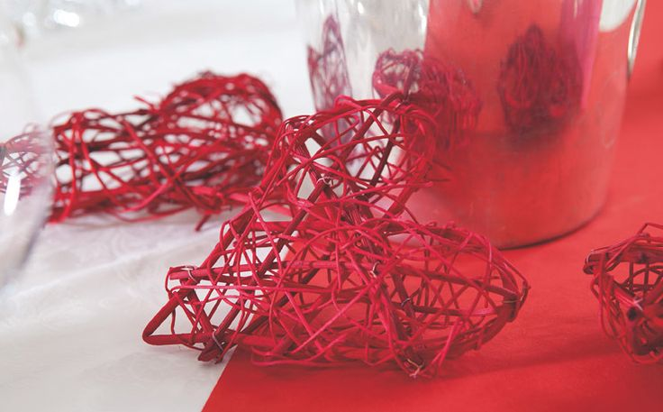 Valentine table setting must include red colours