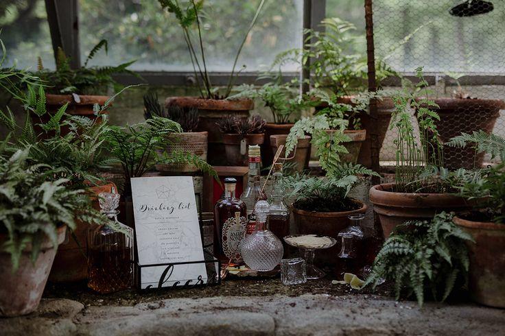 Mixology corner | Greenhouse Wedding Inspiration in Florence, Italy. Tuscany wedding photographer.