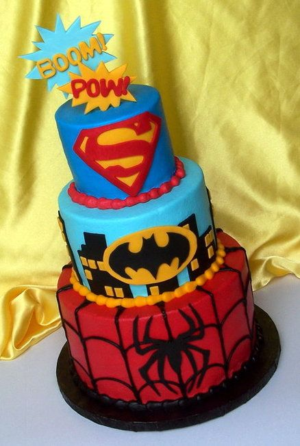 Excellent Super Hero Cake that celebrates several heroes.