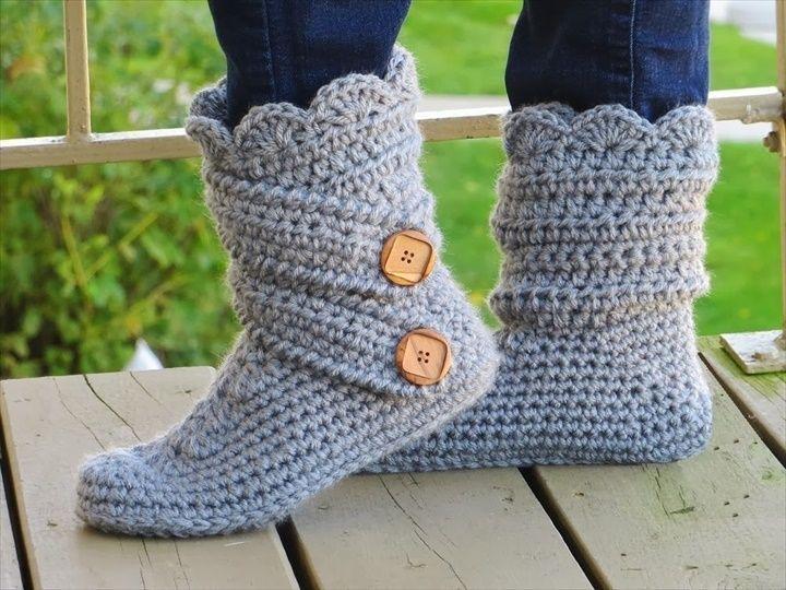 Crochet Classic Snow Boots Slipper- 30 Easy Fast Crochet Slippers Pattern | DIY to Make