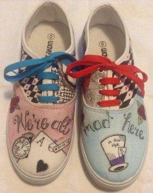 Alice+in+Wonderland+inspired+hand+drawn+zentangled+by+RockMySole,+$55.00