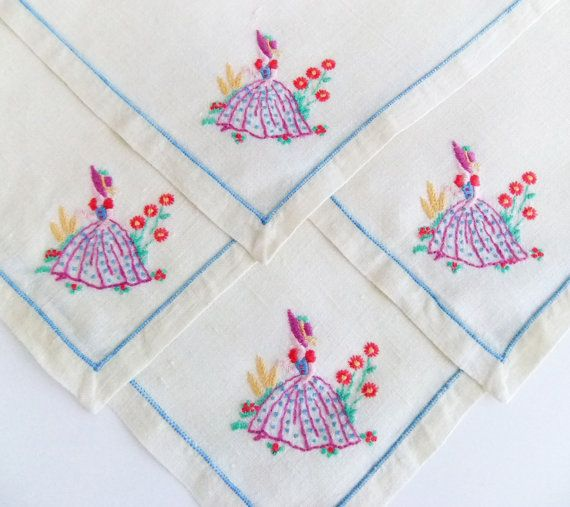 Vintage Cloth Napkins  4 Vintage Hand Embroidered Seviettes