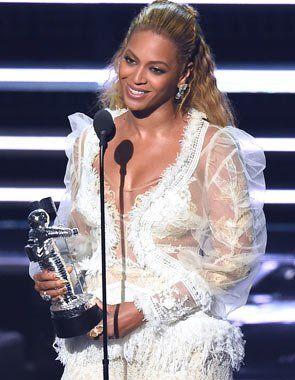 @Beyonce se apoderó de los premios MTV #VMAs...