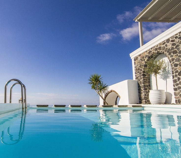Who wants to try our sublime infinity pool with separate heated and jetted seating area?