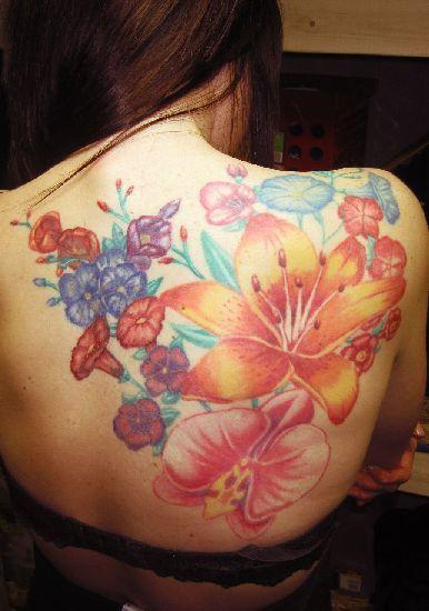79 besten tattoo flowers bilder auf pinterest. Black Bedroom Furniture Sets. Home Design Ideas