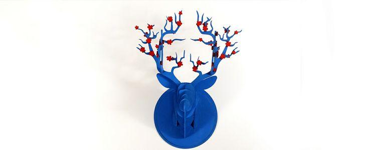 Si en Japón tuviesen premios de caza, este sería el suyo. #cortelaser #cutlaser #incut #art  #decoracion #ciervo #primavera