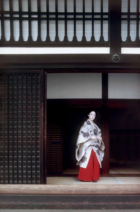 """thekimonogallery: """"JAPAN. Kyoto. 1977. © Elliott Erwitt/Magnum Photos """""""