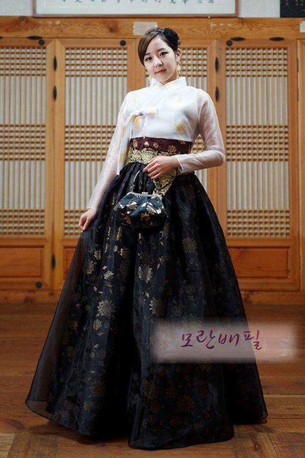 Evening dress - Beauty http://bareum.net/en/evening-dresses/127-beauty.html
