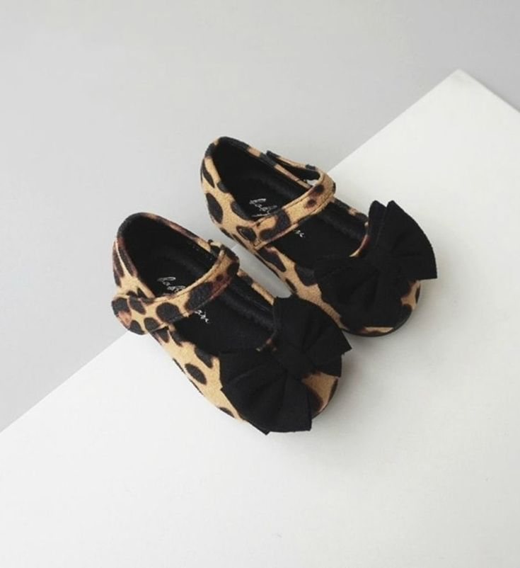 Bow Knot Leopard Shoes-Cute Baby Infant Toddler Little Girl Mary Jane Strap Flat Round Bow Knot Leopard Shoes. Material: Suede & water resistant rubber. Color: Black & Brown. Please choose  your little girl size by Insole length.