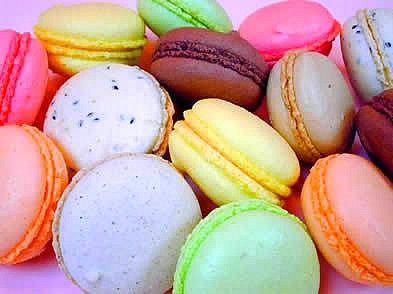 Recette Macaron Facile. Plus de recettes de macarons sur www.enviedebienmanger.fr/idees-recettes/recettes-macarons