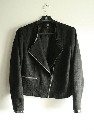 Kup mój przedmiot na #vintedpl http://www.vinted.pl/damska-odziez/marynarki-zakiety-blezery/18167589-czarna-ramoneska-hm-zakiet-marynarka-casual-basic-zip-kurtka-elegancki-skorzane-wstawki