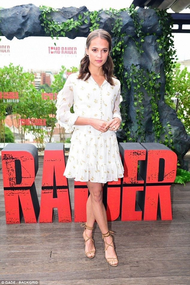 Radiant! This Saturday, Alicia Vikander glowed at a photo call for Tomb Raider being held at the Unique Hotel in the Brazilian city of Sao Paolo