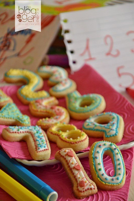 Biscotti numerino con ghiaccia reale, number cookies with royal icing