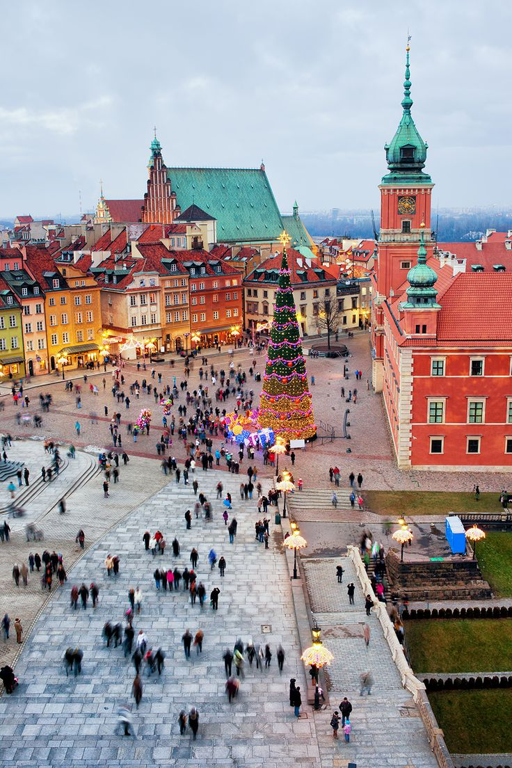 Castle Square in the Old Town of Warsaw, Poland during the #holidays