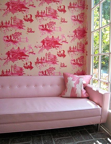 i can't see this in my home...but i love it anyway.Pink Toile, Pink Sofas, Pink Couch, Design Interiors, Interiors Design, Girls Room, Toile Wallpapers, Pink Room, Chinoiserie Chic