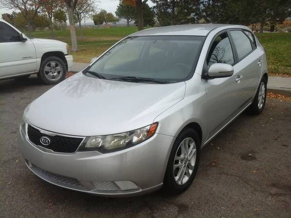 2011 KIA FORTE EX (CENTRAL) $3600: < image 1 of 10 > 2011 KIA FORTE EX AUTOMATIC condition: like newcylinders: 4 cylindersdrive: fwdfuel:…