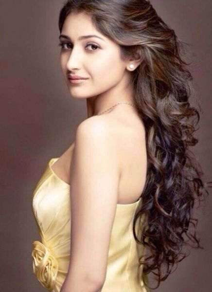 actress-sayesha-saigal-pics