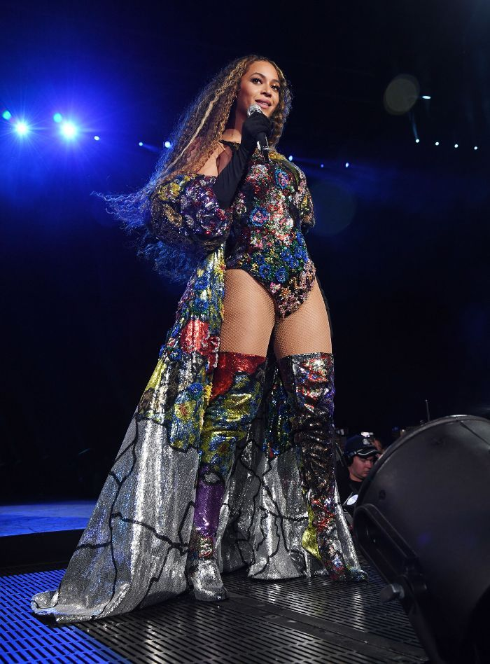 Heads Up: Beyoncé Wore 6 Striking Outfits Last Night | Beyonce outfits,  Stage outfits, Beyonce style