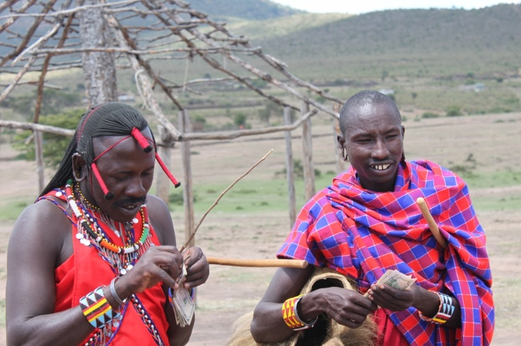 Masaï counting dollars
