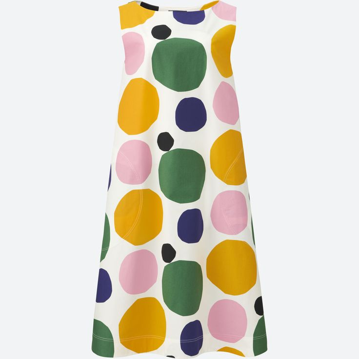Marimekko + Uniqlo 2018 Spring/Summer Collection Fun polka dot dress. Flattering for triangle, inverted triangle and diamond body types. |Poplin Style (affiliate)