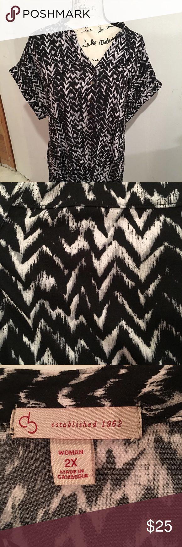 Woman's tunic Very cute tunic, black and white chevron Tops Tunics