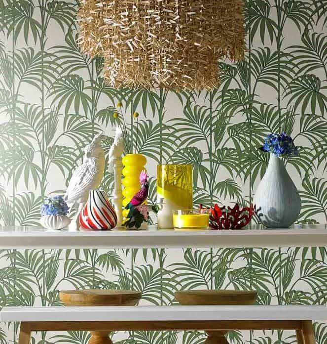 Now the trend has gone mainstream, there are quite a few jungle, leaf, banana leaf, monstera etc etc wallpapers around. So we've been looking at some of the best ones out there in a range of price brackets for everyone! House of Hackney Digitales Wandbild Palmeral A luxurious, high quality wallpaper from one of Green & Mustard | Mid Century & Boho Interior design and styling ramblings of Anna and Sally.